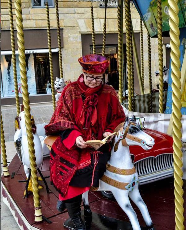 Lire Partout!: Natacha de Livres Libres 03 sur les chevaux de bois (© Charly Claire)