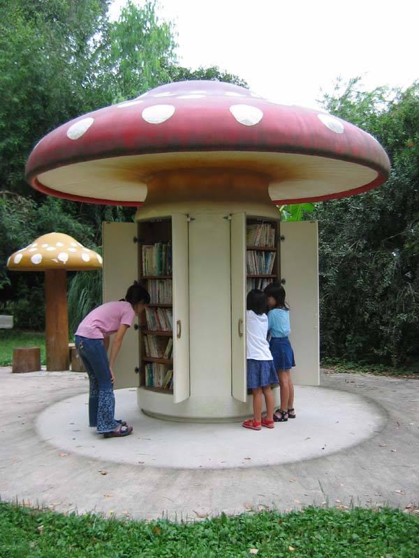 Les livres prennent la rue! En France et dans le monde entier, des milliers de boites à livres poussent comme des champignons!