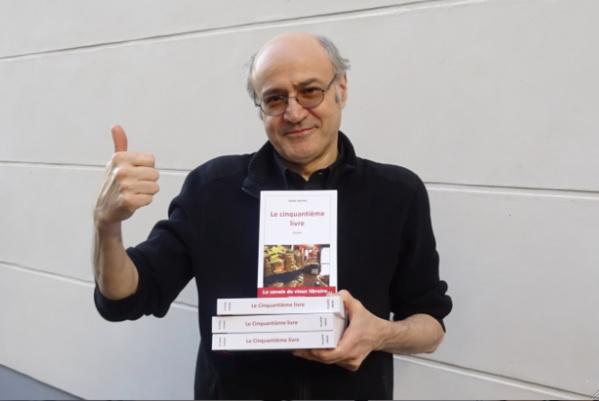 """Pierre Martial présente """"Le Cinquantième Libre"""" tout juste sortie de l'imprimerie"""