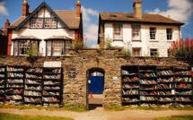 Au coeur des Black Mountains, l'étrange village où les habitants sont des livres