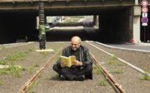 """La campagne """"Lire partout!"""", lancée par l'écrivain Pierre Martial, se prolongera tout l'été. A vos photos!"""