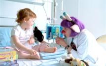 """A """"l'hôpital des enfants malades"""", la drôle de médecine du docteur Girafe..."""