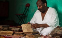 Abdel, le bibliothécaire malien qui a sauvé les livres de Tombouctou des flammes djihadistes.
